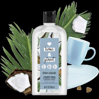 Frente del paquete del Love Home and Planet Dish Liquid Coconut Water & Mimosa Flower